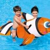 Надувная акула для купания
