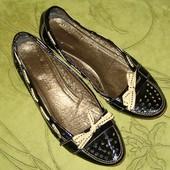 Туфли балетки Italy 40 р-р стелька - 26 см, кожа! в отличном состоянии. Очень удобные. Дорогая, каче