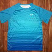 Спортивную футболка Nike оригинал
