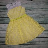 Очень красивое, нарядное платье на 9 лет, рост 134 см