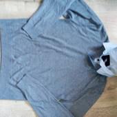 Фирменный свитер р.м-л в отличном состоянии