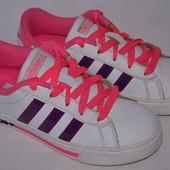 Кроссовки Adidas р.32-33 постельке 20,4см.