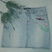 трендовая джинсовая юбка с потертостями и вышивкой от Amisu, p.38