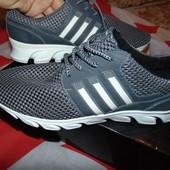 Стильние фирменние кросовки Adidas 42-43