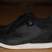 Стильние кроссовки adidas орыгинал