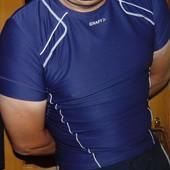 Спортивная фирменная термо компресионная футболка Craft (Крафт) м-л .