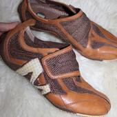 41 разм. Фирменные кроссовки Merrell. Кожа, сетка Длина по внутренней стельке - 27,5 см., ширина по
