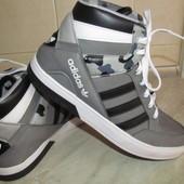 Кроссовки р-38 ст-25см Adidas