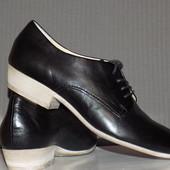 Кожаные фирменные стильные туфли Mjus 40 р- Новые