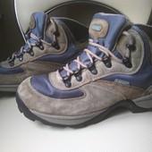Кожаные ботинки Hi-Tec отличное сост, лёгкие