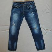 Фирменные джинсы с акуратными дырками )