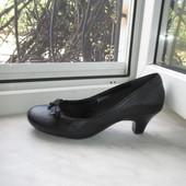 Кожаные туфли Clarks 37 р (4 D)