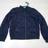 Темно синяя  мужская куртка