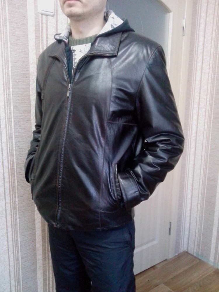 Шкіряна чоловіча куртка розмір м фото №1 92abbd1a1db2c
