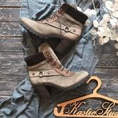 Стильные ботинки на каблуке и шнуровке р-р 41