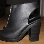 Ботильйоны , туфли , босоножки с замком и на толстом каблуке new look