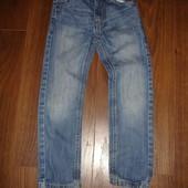 Фирменные джинсы узкачи на 5 6 лет идеал