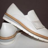 Кожаные фирменные женские туфли -лоферы Tamaris 37 р сост новых