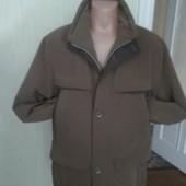 Осіння чоловіча куртка
