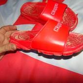 Фирменние спортивние тапочки шлепки Kappa .38