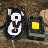 Chicco автокресло 0-13 кг с базой после химчистки Чёрное с темно зеленым
