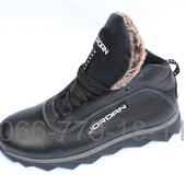 Мужские кожаные кроссовки зимние на меху черные