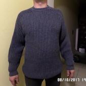 теплий фірмовий светр S-М