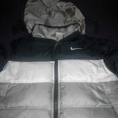 фирменная куртка Nike