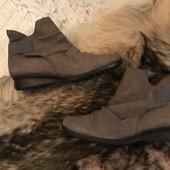 Ботинки із натурального нубука,від Bata,розмір 37,стелька 24