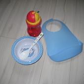 Бутылочка из трубочкой, мисочка, ложка и слюнявчик