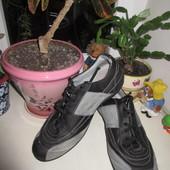Кожаные кроссовки Geox 44 р