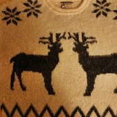 Свитер оверсайз травка с оленями новогодний