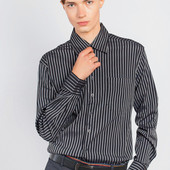 Рубашка в темную полоску.s.