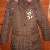 Отличная фирменная зимняя куртка для девочки