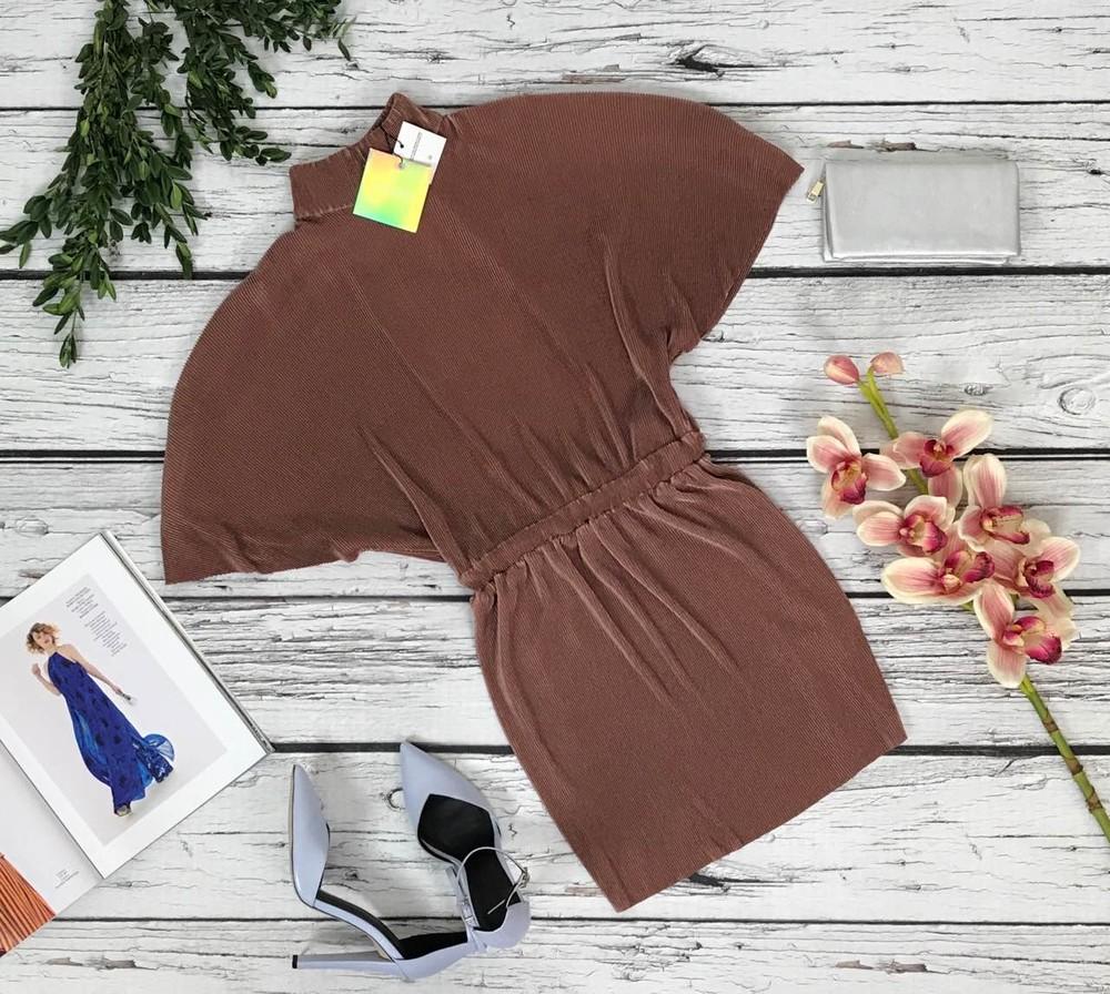 Нарядное платье с воздушными рукавами missguided из блестящей ткани гофре  dr47110 фото №1