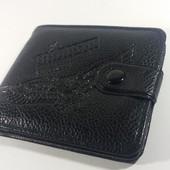 Мужской кошелек Ястреб без лишних деталей черного цвета