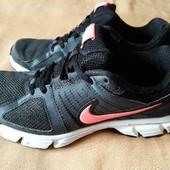Кроссовки фирменные Nike Downshifter 5 р.40-25 см.