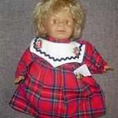 характерная маленькая куколка (25 см)