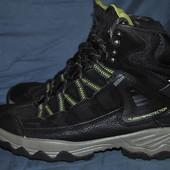 Лот №0367 Ботинки для трекинга Landrover (размер 40)