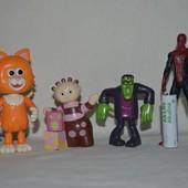 Разные фигурки человечки супер герои для разных наборов и домиков Hasbro Хасбро