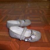 серебристые туфли Next  р.22 стелька 14 см