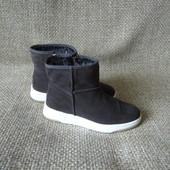 Tamaris р.37,38,39 нові уги чобітки зима оригінал