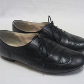 Туфли в стиле броги Clarks кожаные, размер 38