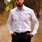 Класична чоловіча сорочка з вишивкою