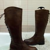 Високі утеплені чоботи із натуральної шкіри  38 р-р і устілка 25,5 см.