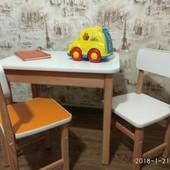 Стол с пеналом. Детский столик. Стол.