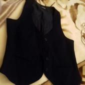 Модная женская жилетка от Lorsay. Размер S. Состав ткани : 97 % хлопок и 3% эластан, подкладка 100 %
