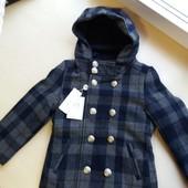 Пальто шерстяное фирменное на 3 - 5 лет