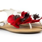 Красивые белые босоножки сандалии с декором Plato, р-ры 37,39
