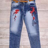 Выбеленные джинсы с вышивкой и ремешком - 6л\ 7л\ 8л\ 9л\ 10л